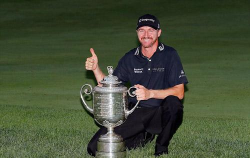 Golf 24/7: Tình cũ lại khiến Tiger Woods thổn thức - 2