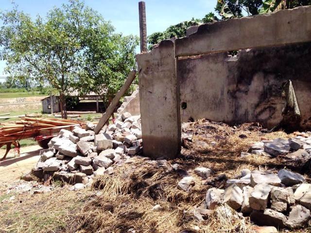 Nghệ An: Hàng loạt nhà chứa rơm bốc cháy gây bất an - 1