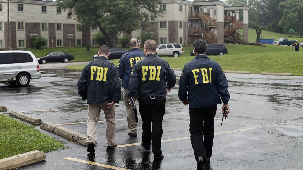 Nhân viên FBI tuồn thông tin mật cho TQ - 2