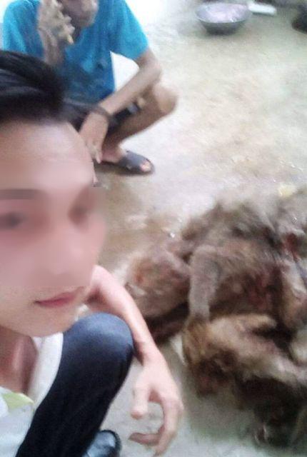 """""""Khoe"""" ảnh giết khỉ lên facebook: Phạt người sát sinh - 2"""