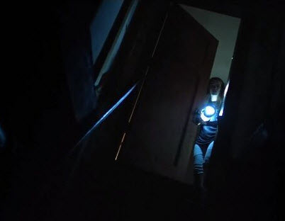 Lights Out: Cuộc rượt đuổi nghẹt thở giữa bóng tối và con người - 2