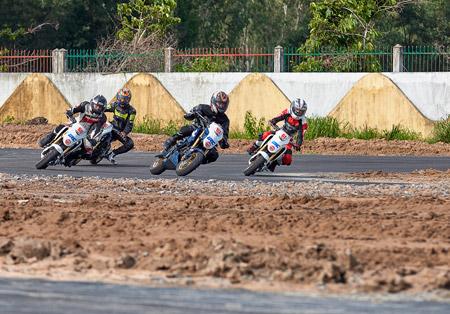 Honda Việt Nam khởi động chuỗi các giải đua xe 2016 tại tỉnh Bình Dương - 4