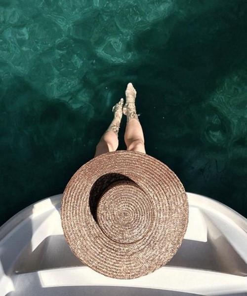 Mặc đẹp đi du lịch, không thế thiếu một chiếc mũ! - 14