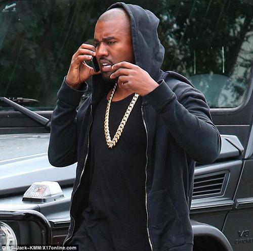 Kanye West phản ứng trước thương vụ Apple mua Tidal - 1