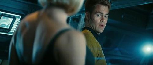 """Cảnh bikini gây tranh cãi suốt nhiều năm của """"Star Trek"""" - 2"""