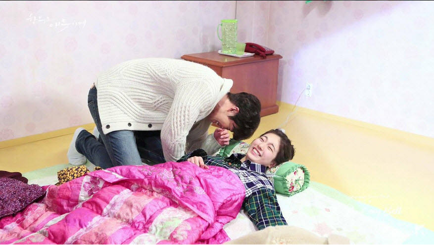 """Phát ghen cảnh """"yêu không kiểm soát"""" của bạn gái Lee Min Ho - 5"""