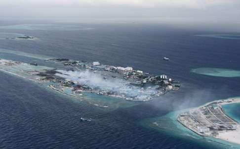 Bất ngờ với hai mặt đối lập của thiên đường Maldives - 4