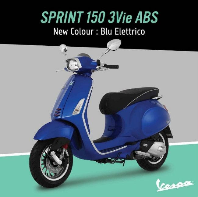 Vespa Sprint 150 3Vie ABS trang bị bộ chống bó cứng phanh (ABS) cùng công nghệ Blu Eletrico tăng khả năng tiết kiệm nhiên liệu theo hướng phun xăng điện tử và tạo ra độ êm dịu sâu của động cơ.