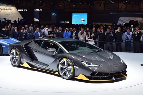 Video Lamborghini Centenario trên đường đua: Kẻ dẫn đầu vĩ đại - 1