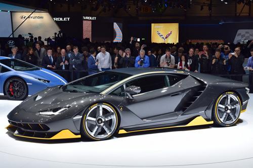 Video Lamborghini Centenario trên đường đua: Kẻ dẫn đầu vĩ đại - 5