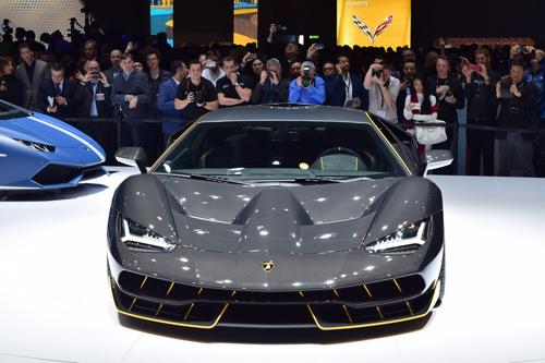 Video Lamborghini Centenario trên đường đua: Kẻ dẫn đầu vĩ đại - 6