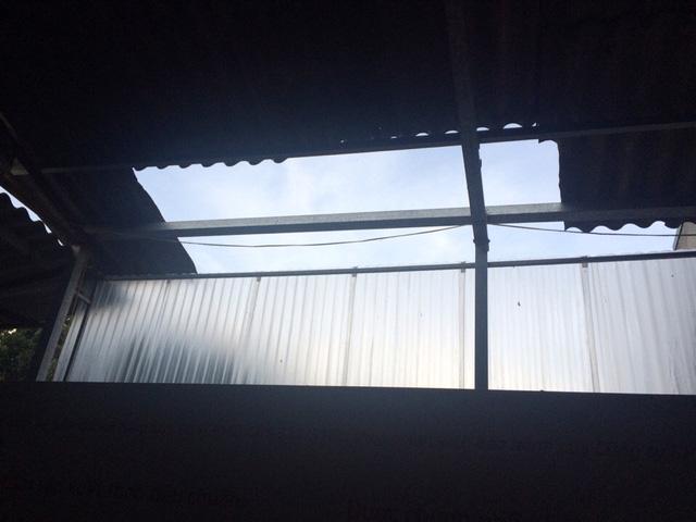 Dông lốc khủng khiếp ở Yên Bái, nhiều nhà bị thổi tung - 4