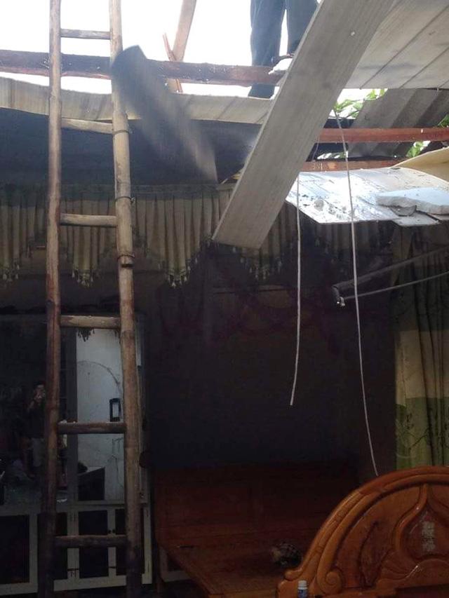 Dông lốc khủng khiếp ở Yên Bái, nhiều nhà bị thổi tung - 5