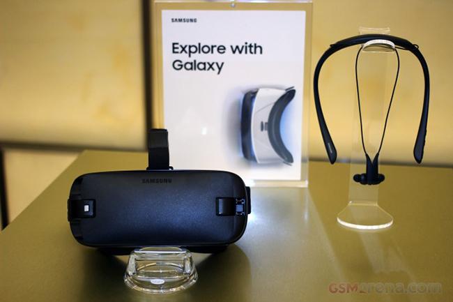 Xem kẽ trong sự kiện giới thiệu Note 7, Samsung liên tục nhắc tới công nghệ thực tế ảo và kính Gear VR.