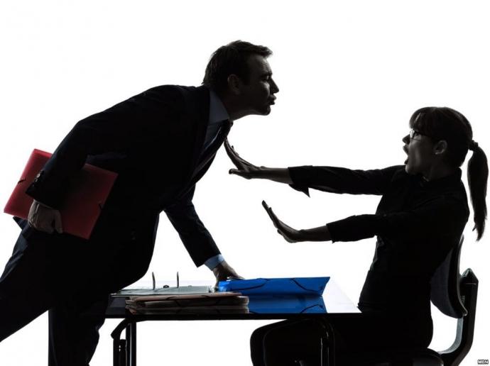Xác minh chuyện sinh viên thực tập tố thẩm phán gạ tình - 1