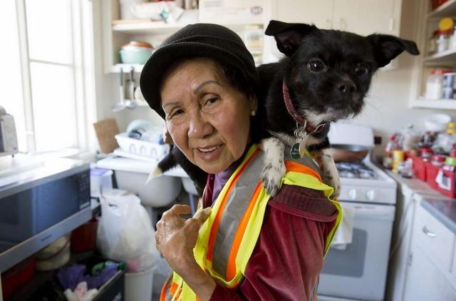 Bà cụ Việt Nam ở Mỹ quét rác nuôi 3 cháu khôn lớn - 10