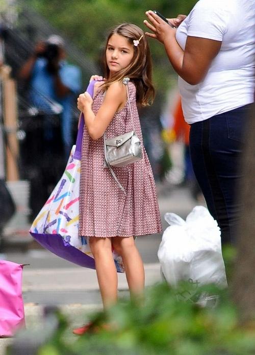 Con gái Tom Cruise lớn quá nhanh khiến fan bất ngờ - 2