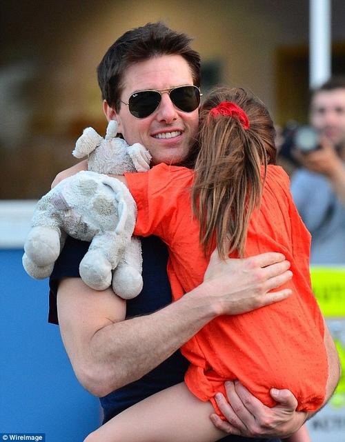 Con gái Tom Cruise lớn quá nhanh khiến fan bất ngờ - 4