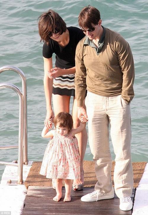 Con gái Tom Cruise lớn quá nhanh khiến fan bất ngờ - 6