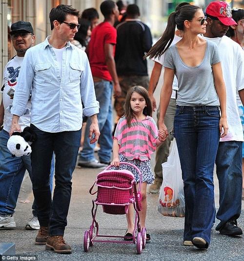 Con gái Tom Cruise lớn quá nhanh khiến fan bất ngờ - 9