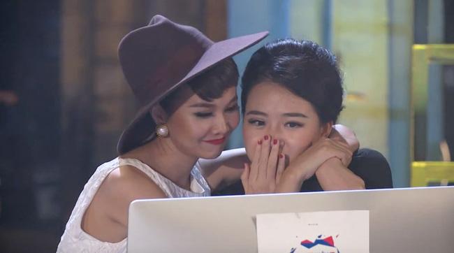 """Cặp đôi thật sự và kẻ thứ 3 đang """"diễn"""" tại Vietnam's Next Top - 4"""