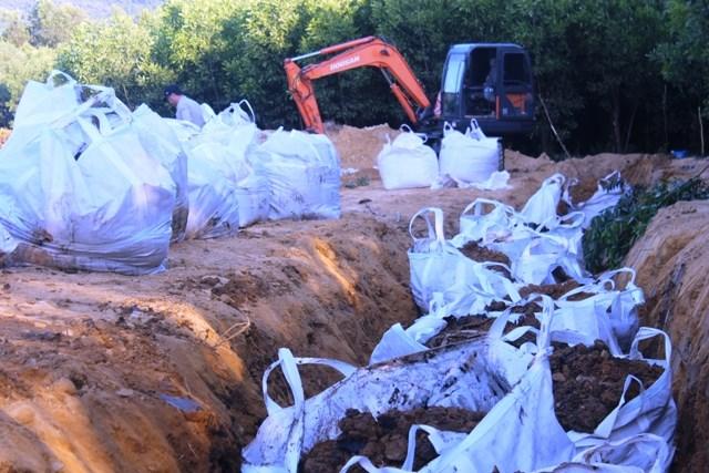 Ai bỏ tiền xử lý 394 tấn bùn thải Formosa chứa Xyanua? - 1