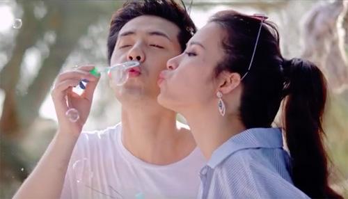 Đông Nhi ngày càng mặn nồng bên bạn trai sau 8 năm yêu - 3