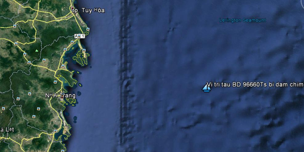 Tàu cá Bình Định bị đâm chìm, 6 ngư dân rơi xuống biển - 1