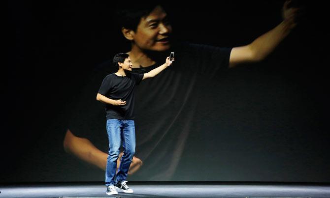 """""""Trùm"""" smartphone giá rẻ TQ với phong cách hệt Steve Jobs - 4"""