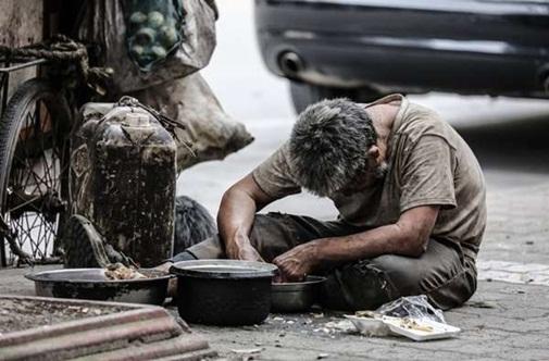 Cha nghèo cháy cùng 700 triệu khiến con chết lặng - 2