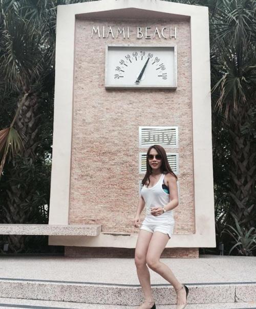 Cuộc sống sang chảnh của em gái ruột Hoài Linh - 11