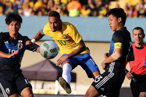 Brazil – Nam Phi: Chờ màn ra mắt của siêu sao Neymar - 1