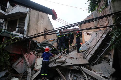 Chùm ảnh hiện trường đổ nát sau vụ sập nhà 4 tầng ở HN - 4