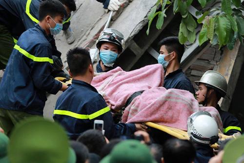 Chùm ảnh hiện trường đổ nát sau vụ sập nhà 4 tầng ở HN - 8