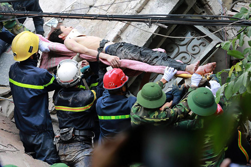 Chùm ảnh hiện trường đổ nát sau vụ sập nhà 4 tầng ở HN - 6