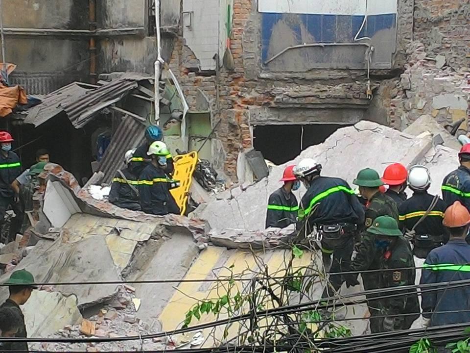 Chùm ảnh hiện trường đổ nát sau vụ sập nhà 4 tầng ở HN - 13