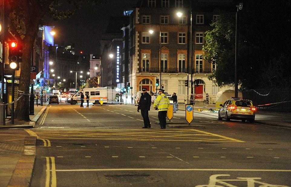 Tấn công bằng dao ở London, nhiều người thương vong - 1