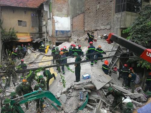Sập nhà 4 tầng giữa Thủ đô: 2 người tử vong - 2