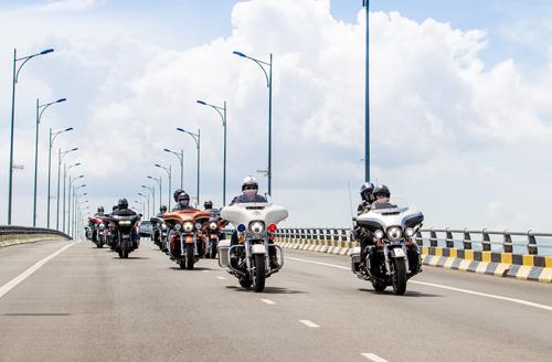 Tuần lễ mô tô phân khối lớn Việt Nam khai màn - 1