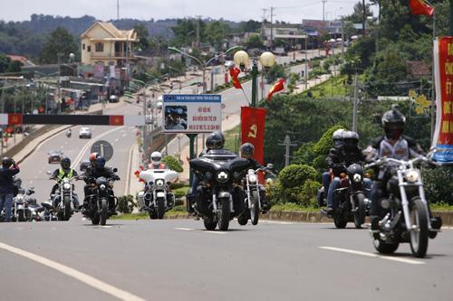 Tuần lễ mô tô phân khối lớn Việt Nam khai màn - 4