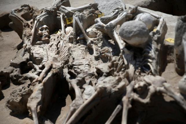 Bí ẩn 80 bộ xương người bị trói tay bằng xích ở Hy Lạp - 3