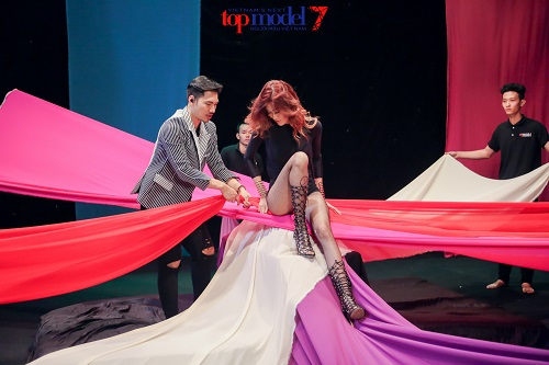 """Next Top Model: Lý Quí Khánh tiết lộ lý do """"cứu"""" người kém - 3"""