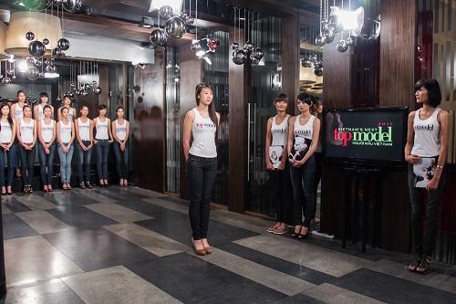 """Next Top Model: Lý Quí Khánh tiết lộ lý do """"cứu"""" người kém - 10"""