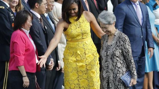 Phu nhân Thủ tướng Singapore diện túi 11 USD gặp Obama - 1