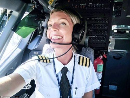 Nữ phi công xinh đẹp, quyến rũ nhất thế giới - 2