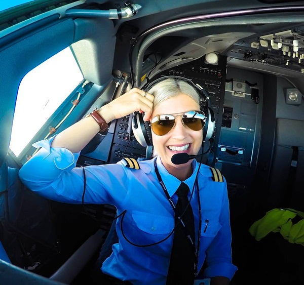 Nữ phi công xinh đẹp, quyến rũ nhất thế giới - 5