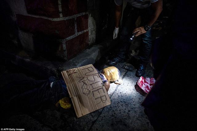 """Hơn 1 tháng, Philippines tiêu diệt 400 """"trùm ma túy"""" - 3"""