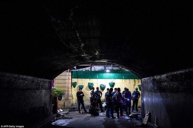 """Hơn 1 tháng, Philippines tiêu diệt 400 """"trùm ma túy"""" - 7"""