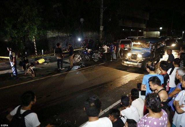 """Hơn 1 tháng, Philippines tiêu diệt 400 """"trùm ma túy"""" - 8"""