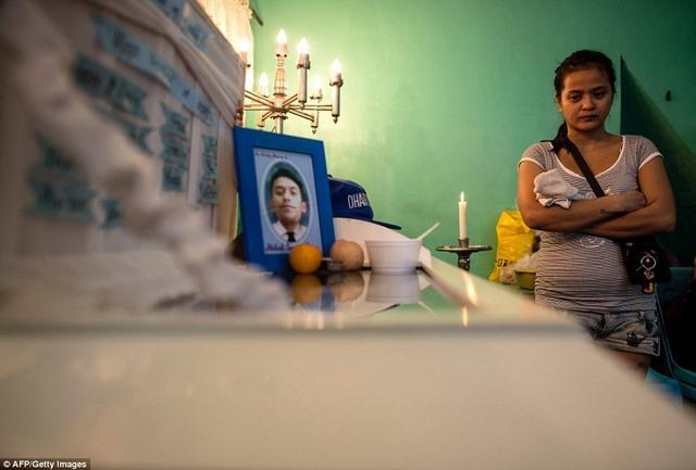 """Hơn 1 tháng, Philippines tiêu diệt 400 """"trùm ma túy"""" - 5"""